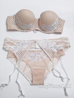 9057542b89 Victoria s Secret Dream Angels Embroidered strapless Bra set white ivory  garter