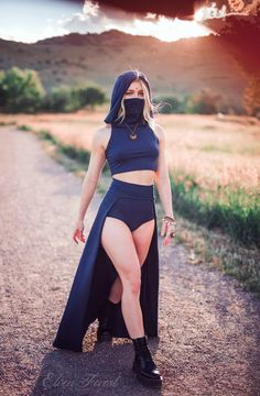 Outfits Aesthetic Discover Dust Mask Hoodie Crop Top with Face Mask Elven Forest festival clothing ninja clothes face covering flow clothes love Crop Top Hoodie, Hoodie Dress, Mode Outfits, Fashion Outfits, Rave Girl Outfits, Neon Rave Outfits, Stylish Outfits, Forest Festival, Ninja Outfit