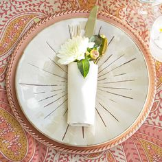 Wrap silverware with fresh flowers for a table setting guests will love. More ideas: http://www.bhg.com/party/birthday/themes/creative-outdoor-table-settings/?socsrc=bhgpin051712=2