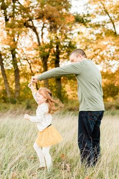 Fall Family Photos | family of four | daddy and daughter dancing