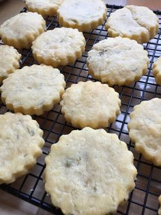 These savoury biscuits are crisp, delicate, buttery and oh-so-cheesy! They are perfect for snacking on, especially as party nibbles and apèro snacks. Makes about 24 Ingredients: 150g / 11 tablespoo…