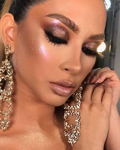 everyday makeup looks, natural makeup looks, no makeup makeup, affordable makeup. Glam Makeup, Makeup Black, Glitter Makeup, Flawless Makeup, Gorgeous Makeup, Pretty Makeup, Makeup Inspo, Makeup Inspiration, Eye Makeup