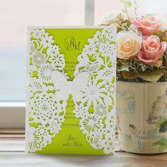 #Hochzeitseinladung #Schmetterling grün: https://www.meine-hochzeitsdeko.de/hochzeitseinladung-zarter-schmetterling-gruen