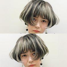 最近はハイライトが人気。 アッシュグレーのハイライトをラフに。いろんな長さの人に対応できるデザインカラー。 奥行きのあるコントラストが気分。 #vetica #ハイライト #アッシュ #グレージュ #グレー #ボブ #BOB #ショートボブ #美容師 #美容室 #hair #ショート #cut #カット #デザインカラー #髪 #髪型 #haircolor #ヘアカラー #ヘアスタイル #color #hairstyle #hairstyles