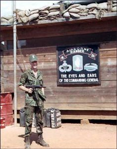 Virtual Vietnam Veterans Wall of Faces Military Guns, Navy Military, Military Photos, Military History, Vietnam History, Vietnam War Photos, Airborne Ranger, Us Army Rangers, 75th Ranger Regiment