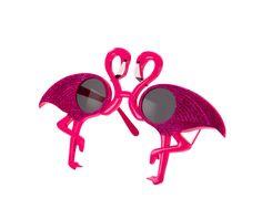 Obtenir un plaisir nouveauté look avec nos lunettes de soleil Flamingo. Doit avoir un été, ces lunettes de soleil roses vives sont parfaits pour les parties de lété ou pour finir votre déguisement.  Laissez vous tenter par ces lunettes de soleil flamant roses adorables et finir votre tenue avec des vibes tropicales encore plus cet été.  Lumineuse et audacieuse, si vous vous rendez en vacances ou pour une garden party, vous allez être tourner les têtes avec ces derniers.  S'il vous plaît…