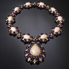 Girocollo con corallo Peau d'Ange, ametiste e diamanti taglio brillante