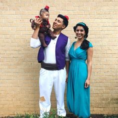 Aladdin family costume! Aladdin, Jasmine, and Abu. So happy this worked out and that it was so fun and inexpensive to make! #halloweencostumesforwomen