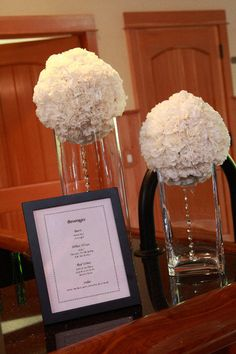 Carnation Centerpiece @Tara Karlberg you could do something like this with navy ribbons...