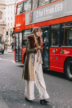A colores neutros, abrigos con detalles epatantes