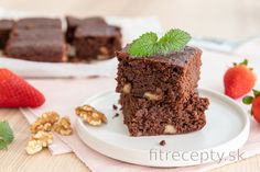 Brownie z kokosovej múky (bez lepku) Great Recipes, Healthy Recipes, Sweet Desserts, Food Inspiration, Brownies, Cake Recipes, Sweet Treats, Good Food, Food And Drink
