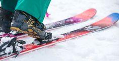Piękny zestaw K2 błyszczące buty narciarskie z tęczowymi nartami