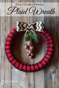 FREE Pattern: Crochet Plaid Wreath   This rustic and trendy crochet buffalo plaid wreath is a perfect addition to your holiday decor!