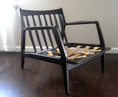 ah ha, so that is how the seat is supposed to be.  Danish modern chair