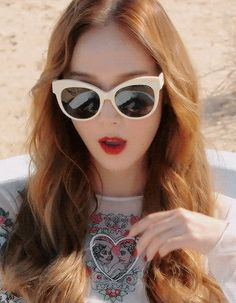 jessica jung-fly-gif | Tumblr
