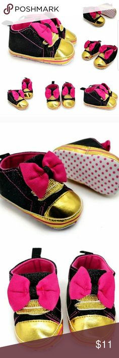 0-6 months Black, pink and gold glitter crib shoes 0-6 months  Brand new Black, pink and gold glitter crib shoes  #fashion #hot #autumn #shoppinginparis #crib #babies #affordable #deals #tendollars #infant #kidsfashion #babyfashion #shoes #babyshoes Shoes Baby & Walker