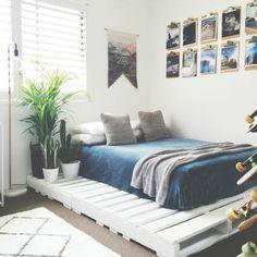 chambre accueillante, idée fantastique comment fabriquer un lit en palette