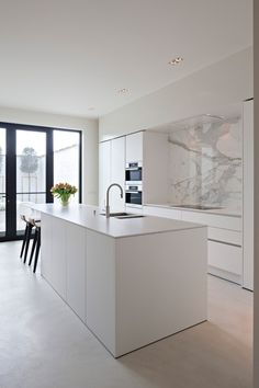 The kitchen that is top-notch white kitchen , modern kitchen , kitchen design ideas! Home Decor Kitchen, Kitchen Living, Diy Kitchen, Kitchen Furniture, Home Kitchens, Kitchen Ideas, Kitchen Inspiration, Kitchen Cabinets, Kitchen Hacks