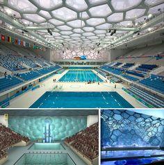 Олимпийский водный стадион в Пекине: вверху - фотография основного плавательного бассейна, на которой хорошо виден металлический каркас здания; внизу – различные визуализации проекта.