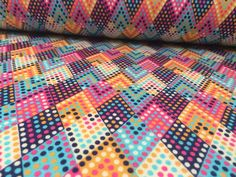 Wintersweat+ZickZack+bunt+kuschelsweat++von+LiSoStoeffchen+auf+DaWanda.com Bunt, Etsy, Quilts, Blanket, Quilt Sets, Blankets, Log Cabin Quilts, Cover, Comforters