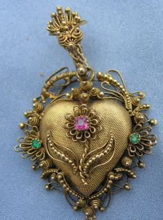 Georgian Heart with forget-me-not, c. 1790-1810. This is a mourning locket -- to keep a lock of hair.