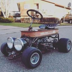 Rat Rod Wagon (photo only), Rat Rod made from Radio FLyer wagon. Rat Rods, Radio Flyer Wagons, Diy Go Kart, Little Red Wagon, Drift Trike, Pedal Cars, Mini Bike, Mini Motorbike, Off Road