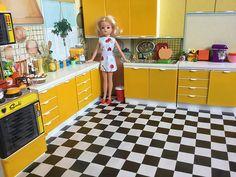 sindy's kitchen... 1970s Childhood, Childhood Toys, Childhood Memories, Barbie Kitchen, Toy Kitchen, Vintage Barbie, Vintage Dolls, Tammy Doll, Barbie Diorama