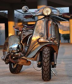 "Iron Horse - Pulsar-Project - ""that"" Steampunk Vespa! Lambretta Scooter, Scooter Motorcycle, Vespa Scooters, Moto Bike, Scooter Custom, Custom Bikes, Bmw Cafe Racer, Motos Retro, Vespa Vintage"