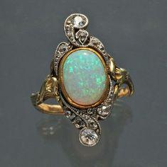 Art Nouveau Ring Gold Opal Diamond - French 1900 #GoldJewelleryArtNouveau