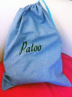 Le sac à chaussure brodé pour la fête des pères ! Drawstring Backpack, Backpacks, Bags, Fashion, Shoe Bag, Father's Day, Handbags, Moda, Fashion Styles
