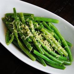 A simple, yet delicious side dish, these green beans are perfectly seasoned with lemon and butter and are a great addition to any meal. They also make a quick and easy Weight Watchers recipe to include on the table.