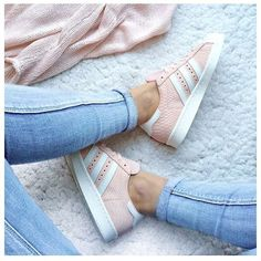 Schuhe Damen Sportlich - Pink mood to start the week : Pink Adidas Superstar ♥ Look of the day,. Cute Shoes, Women's Shoes, Me Too Shoes, Shoe Boots, Pink Shoes, Shoes Style, Roshe Shoes, Strappy Shoes, Awesome Shoes
