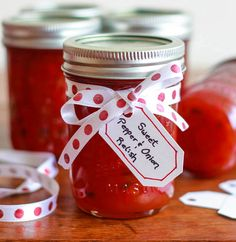 A copycat recipe of a Harry & David favorite, this Sweet Pepper & Onion Relish is easy to make and so delicious! Never thought to try to make this when all the H&Ds disappeared