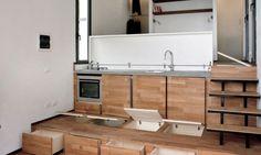 Klein huisje in de bergen met erg slim verborgen keuken - Roomed
