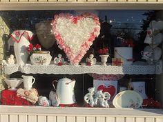 Corazón de San Valentín hecha de filtros de café