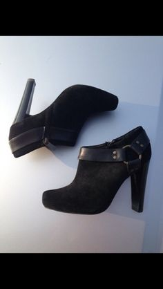 My Jessica Simpson black booties size 5.5 by Jessica Simpson! Size 5.5 for $$35.00. Check it out: http://www.vinted.com/womens-shoes/boots/17986746-jessica-simpson-black-booties-size-55.
