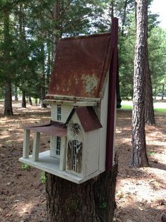 Victorian Two Story Birdhouse Perfect for Every by southernprettys Fairy Garden Houses, Garden Art, Garden Design, Miniature Houses, Paper Houses, Kit Homes, Painting On Wood, Decoration, Home Crafts
