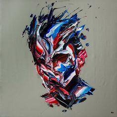 Le peintre iranien Salman Khoshroo crée ces portraits au couteau en déposant de larges couches de peintures sur la toile.