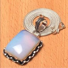 I just discovered this while shopping on Poshmark: 925 sterling silver plated gemstone pendant chain. Check it out! Price: $22 Size: OS