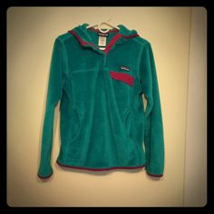 Retool Hooded Patagonia Teal and magenta retool hooded Patagonia. Used but well taken care of. No rips, stains or tears. Patagonia Other
