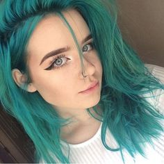 Random)) hey I'm Celia but people call me CC. I dye my hair a lot so you might not realize it's me.I'm single but no one usually likes me because I'm lesbian. If your interested come say hi!
