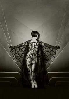 silent film goddess in gothic sensual pose vintage photo style model vicky butterfly, photographer the talented maria s. varela Louise Brooks silent star inspired work , look at the photos by this artist and watch the mesmerising films of the star too Louise Brooks, Retro Halloween, Halloween Costumes, Burlesque Costumes, Vintage Halloween Photos, Happy Halloween, Halloween Inspo, Costume Halloween, Vintage Halloween Makeup