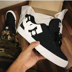 Moda Sneakers, Best Sneakers, Casual Sneakers, Leather Sneakers, Sneakers Fashion, Fashion Shoes, Shoes Sneakers, Tenis Nike Air, Nike Air Shoes