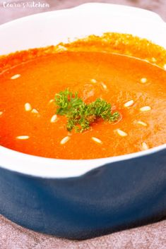 Creamy Healthy Roasted Red Pepper Soup - the onions + garlic are roasted alongside the red peppers which deepens the rich flavors of this soup. Roasted Red Pepper Soup, Roasted Red Peppers, Roasted Garlic, Stuffed Pepper Soup, Stuffed Peppers, Vegan Staples, Vegan Soups, Healthy Soups, Soups And Stews
