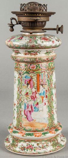 Chinese export porcelain rose medallion fluid lamp, c. Porcelain Sink, Porcelain Jewelry, Fine Porcelain, Chinese Lamps, Porcelain Dolls For Sale, Unique Lamps, Vintage Lamps, Vintage Lighting, Oil Lamps