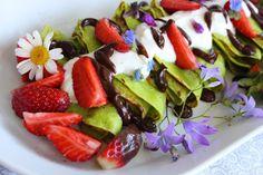o varení, živote a tak... : Špenátové palacinky s tvarohom a jahodami
