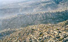 Mexico : avec ses 20 millions d'habitants et une densité de population de 63 700 personnes par km2, la ville dessine des rouleaux à travers le paysage. (Crédit : Pablo Lopez Luz)
