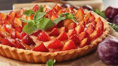 Prăjitură cu iaurt și prune No Cook Desserts, Waffles, Cheesecake, Strawberry, Fruit, Cooking, Breakfast, Pizza, Food