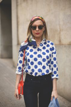 50s, style, fashion, blogger, high waist, polka dots, floral print, headband, spring, look, outfit, jeans, wedges