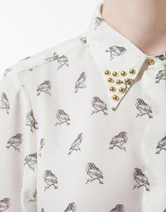 Blusa de buhos, estampado de primavera, outfit spring, tachuelas www.PiensaenChic.com